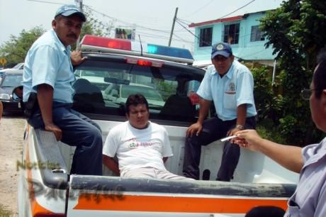 El conductor de la estaquitas fue detenido por la municipal.
