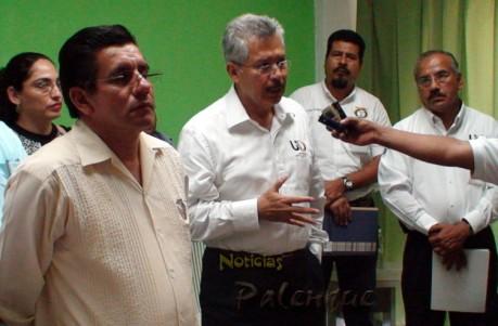 El rector de la UNACH detalló las carreras del nuevo centro universitario.