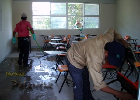 Las aulas fueron desinfectadas para el retorno a clases.