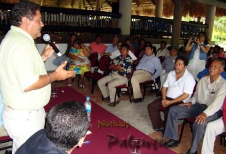 Juan José anunció que firmara ante notarios sus compromisos.