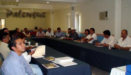 El curso Liderazgo democrático se impartió en un hotel de Palenque.