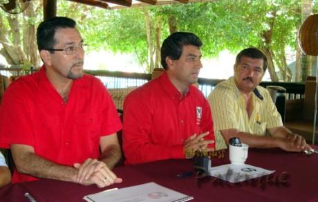 El secretario general del CDE del PRI respaldó la denuncia del regidor.