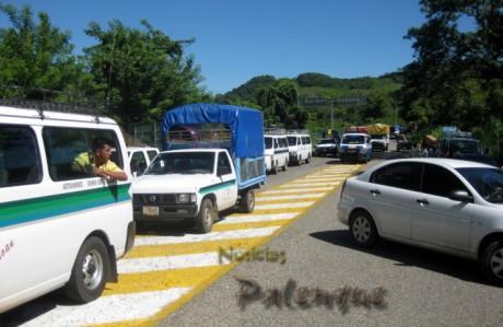 El bloqueo afectó a cientos de vehiculos.