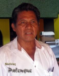 El dirigente del SITCH salió en defensa de los profesores indigenas.