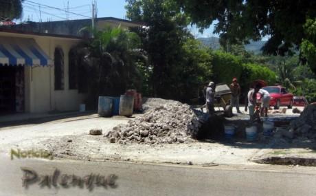 La calle nueva tuvo que ser cerrada para repararla.