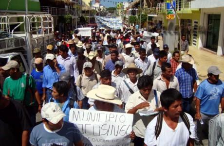 Marcharon por las principales calles de Palenque.