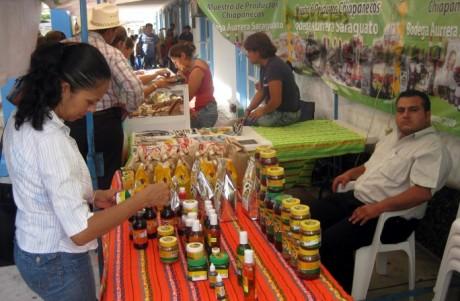 La Secretaría de Economía promovió productos chiapanecos.