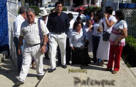 Representantes de diversas organizaciones unidos para protestar.