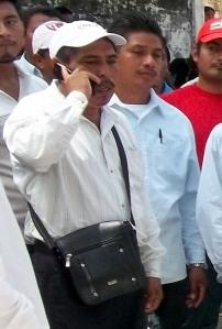 Sebastían Espinoza (alias Sheba-Tabla) fue quien encabezó el grupo manifestante. Es conocido por venderse al mejor postor...