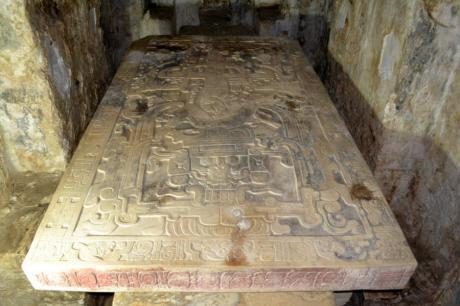 tumba (1)